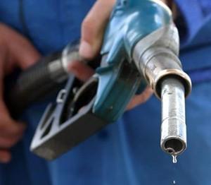 Три способа избавиться от запаха бензина